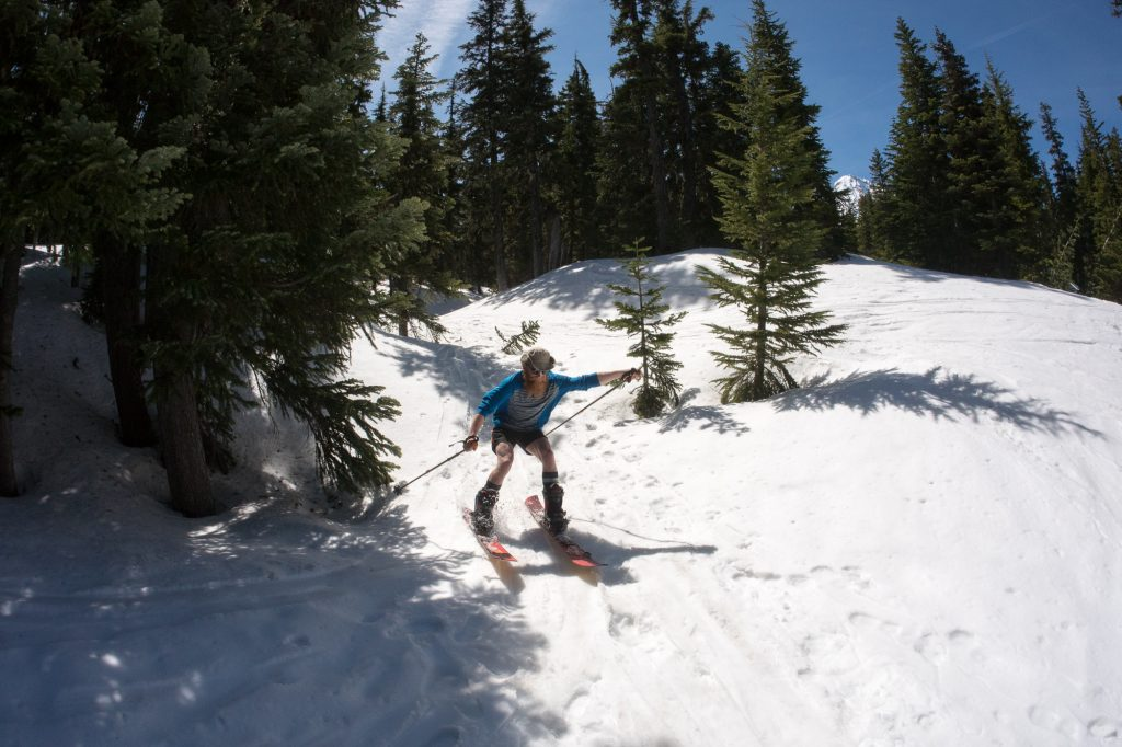 Kevin Kelly taking first in the split ski gully race